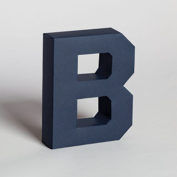 Papertype decorative letters for shelves